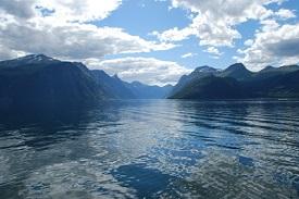 Sunnylvsfjorden, Noruega